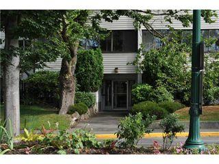 Photo 3: 206 1124 Esquimalt Road in VICTORIA: Es Rockheights Condo Apartment for sale (Esquimalt)  : MLS®# 353931