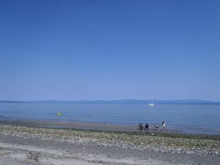 Photo 1: LT 1 W Island Hwy in QUALICUM BEACH: PQ Qualicum North Land for sale (Parksville/Qualicum)  : MLS®# 708171