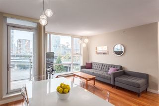 Main Photo: 705 550 PACIFIC Street in Vancouver: Yaletown Condo for sale (Vancouver West)  : MLS®# R2017083