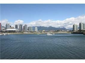 "Photo 2: 506 1661 ONTARIO Street in Vancouver: False Creek Condo for sale in ""SAILS"" (Vancouver West)  : MLS®# R2051577"