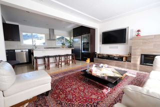Photo 12: 4353 CAPILANO Road in North Vancouver: Canyon Heights NV House for sale : MLS®# R2103234