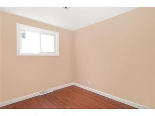 Photo 10: 70 CAMBRIAN Drive NW in Calgary: Bungalow for sale : MLS®# C3538395