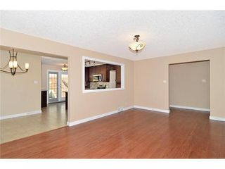 Photo 4: 70 CAMBRIAN Drive NW in Calgary: Bungalow for sale : MLS®# C3538395