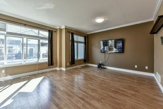 "Photo 2: 21 19330 69 Avenue in Surrey: Clayton Townhouse for sale in ""MONTEBELLO"" (Cloverdale)  : MLS®# R2110201"