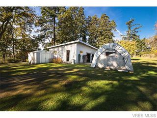 Photo 15: 4590 Scarborough Road in VICTORIA: SW Beaver Lake Single Family Detached for sale (Saanich West)  : MLS®# 371185