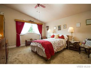 Photo 8: 4590 Scarborough Road in VICTORIA: SW Beaver Lake Single Family Detached for sale (Saanich West)  : MLS®# 371185