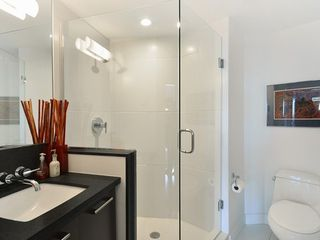 Photo 6: 2404 PINE Street in Vancouver West: Home for sale : MLS®# V1004538