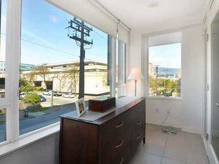 Photo 9: 2404 PINE Street in Vancouver West: Home for sale : MLS®# V1004538