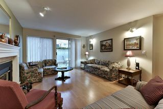 """Photo 4: 8 15840 84 Avenue in Surrey: Fleetwood Tynehead Townhouse for sale in """"FLEETWOOD GABLES"""" : MLS®# R2138711"""