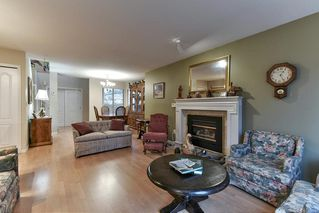 """Photo 5: 8 15840 84 Avenue in Surrey: Fleetwood Tynehead Townhouse for sale in """"FLEETWOOD GABLES"""" : MLS®# R2138711"""