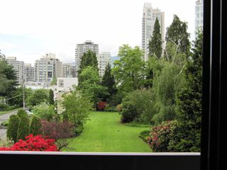Photo 2: 303 145 ST GEORGES Ave in North Vancouver: Home for sale : MLS®# V834868