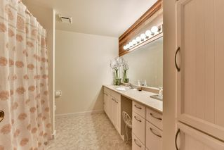 "Photo 10: 14045 MARINE Drive: White Rock Townhouse for sale in ""Ocean Ridge"" (South Surrey White Rock)  : MLS®# R2167951"
