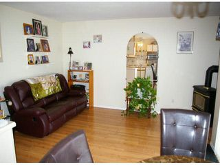 "Photo 4: 9 45640 STOREY Avenue in Sardis: Sardis West Vedder Rd Townhouse for sale in ""Whispering Pines"" : MLS®# R2175072"