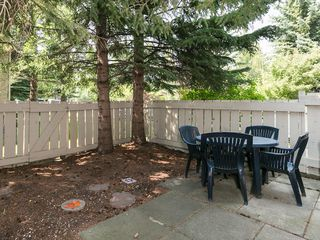 Photo 3: 43 310 BROOKMERE Road SW in Calgary: Braeside House for sale : MLS®# C4128783