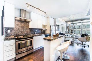 Photo 4: 406 75 Portland Street in Toronto: Waterfront Communities C1 Condo for lease (Toronto C01)  : MLS®# C3880169