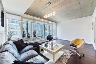 Photo 3: 406 75 Portland Street in Toronto: Waterfront Communities C1 Condo for lease (Toronto C01)  : MLS®# C3880169