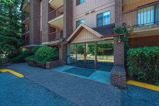 Photo 2: 136 8500 ACKROYD Road in Richmond: Brighouse Condo for sale : MLS®# R2193064