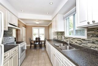 Photo 3: 852 Attersley Drive in Oshawa: Pinecrest House (2-Storey) for sale : MLS®# E3894754