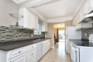 Photo 4: 852 Attersley Drive in Oshawa: Pinecrest House (2-Storey) for sale : MLS®# E3894754
