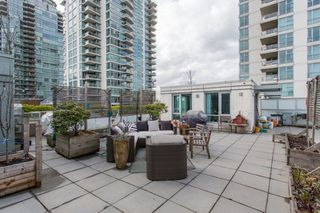 "Photo 1: 306 125 MILROSS Avenue in Vancouver: Mount Pleasant VE Condo for sale in ""Creekside"" (Vancouver East)  : MLS®# R2244749"