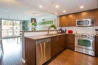 "Photo 4: 306 125 MILROSS Avenue in Vancouver: Mount Pleasant VE Condo for sale in ""Creekside"" (Vancouver East)  : MLS®# R2244749"