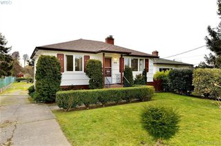 Photo 1: 135 Hampton Rd in VICTORIA: SW Gateway House for sale (Saanich West)  : MLS®# 780525