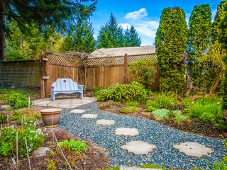 Photo 21: 585 Wain Rd in Parksville: House for sale : MLS®# 390236
