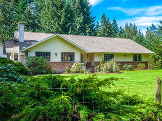 Photo 3: 585 Wain Rd in Parksville: House for sale : MLS®# 390236