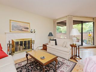 "Photo 7: 110 1720 W 12TH Avenue in Vancouver: Fairview VW Condo for sale in ""TWELVE PINES"" (Vancouver West)  : MLS®# R2285380"