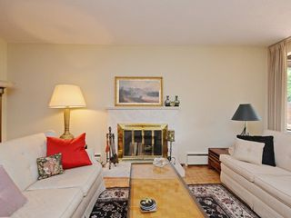 "Photo 5: 110 1720 W 12TH Avenue in Vancouver: Fairview VW Condo for sale in ""TWELVE PINES"" (Vancouver West)  : MLS®# R2285380"