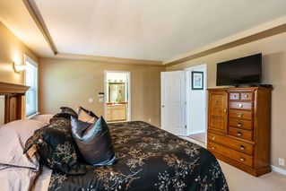 "Photo 12: 14463 80 Avenue in Surrey: Bear Creek Green Timbers House for sale in ""British Manor"" : MLS®# R2320512"