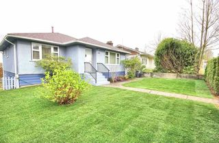 Photo 2: 4811 JOYCE Street in Vancouver: Collingwood VE House for sale (Vancouver East)  : MLS®# R2325542