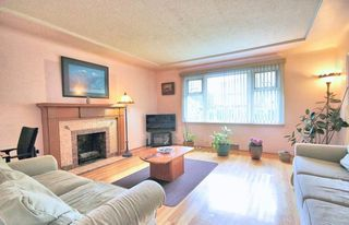 Photo 4: 4811 JOYCE Street in Vancouver: Collingwood VE House for sale (Vancouver East)  : MLS®# R2325542
