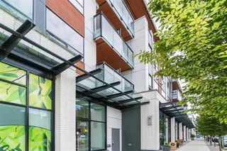 "Main Photo: 107 2858 W 4TH Avenue in Vancouver: Kitsilano Condo for sale in ""KITSWEST"" (Vancouver West)  : MLS®# R2327526"