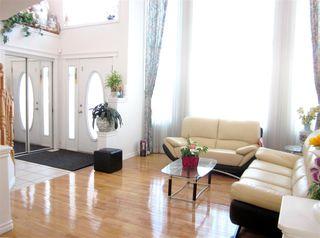 Photo 3: 7547 162 Avenue in Edmonton: Zone 28 House for sale : MLS®# E4139648
