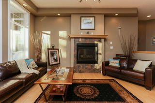 Photo 7: 147 CALDWELL Way in Edmonton: Zone 20 House for sale : MLS®# E4144483