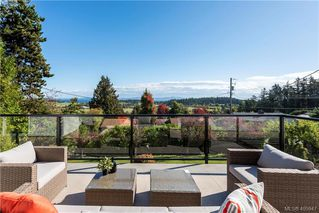 Photo 5: 5704 Wellsview Rd in VICTORIA: SE Cordova Bay House for sale (Saanich East)  : MLS®# 806729