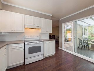 """Photo 7: 6178 W GREENSIDE Drive in Surrey: Cloverdale BC Townhouse for sale in """"Greenside Estates"""" (Cloverdale)  : MLS®# R2343688"""