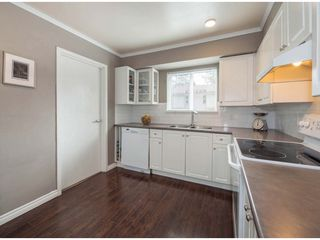 """Photo 6: 6178 W GREENSIDE Drive in Surrey: Cloverdale BC Townhouse for sale in """"Greenside Estates"""" (Cloverdale)  : MLS®# R2343688"""