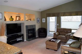 Photo 2: 23 Kenwood Place in Winnipeg: St Vital Residential for sale (2C)  : MLS®# 1906793