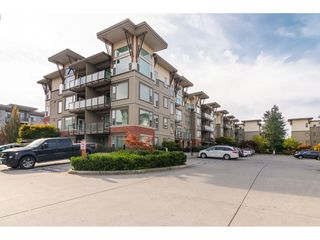 """Photo 20: 214 33539 HOLLAND Avenue in Abbotsford: Central Abbotsford Condo for sale in """"The Crossing"""" : MLS®# R2353047"""