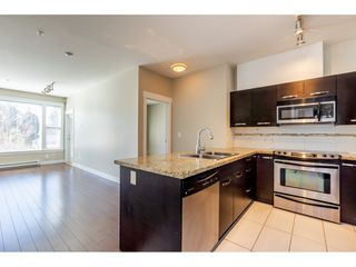 """Photo 7: 214 33539 HOLLAND Avenue in Abbotsford: Central Abbotsford Condo for sale in """"The Crossing"""" : MLS®# R2353047"""