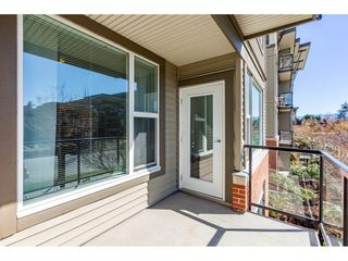 """Photo 15: 214 33539 HOLLAND Avenue in Abbotsford: Central Abbotsford Condo for sale in """"The Crossing"""" : MLS®# R2353047"""
