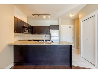 """Photo 5: 214 33539 HOLLAND Avenue in Abbotsford: Central Abbotsford Condo for sale in """"The Crossing"""" : MLS®# R2353047"""
