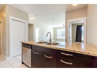 """Photo 6: 214 33539 HOLLAND Avenue in Abbotsford: Central Abbotsford Condo for sale in """"The Crossing"""" : MLS®# R2353047"""