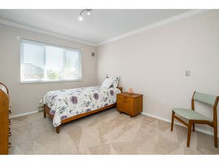 Photo 9: 302 2239 152 Street in Surrey: Sunnyside Park Surrey Condo for sale (South Surrey White Rock)  : MLS®# R2364850