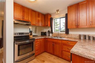 Photo 2: 6 4350 West Saanich Rd in VICTORIA: SW Royal Oak Row/Townhouse for sale (Saanich West)  : MLS®# 813072