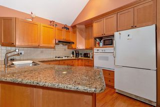 Photo 4: 46 4055 INDIAN RIVER Drive in North Vancouver: Indian River Townhouse for sale : MLS®# R2370034