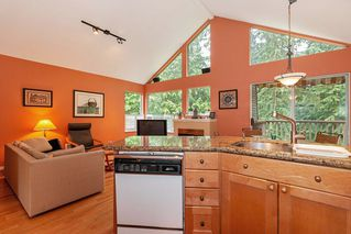Photo 5: 46 4055 INDIAN RIVER Drive in North Vancouver: Indian River Townhouse for sale : MLS®# R2370034