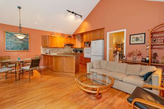 Photo 8: 46 4055 INDIAN RIVER Drive in North Vancouver: Indian River Townhouse for sale : MLS®# R2370034
